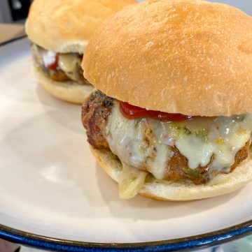 The Best Jalapeño Cheese Burger Recipe!